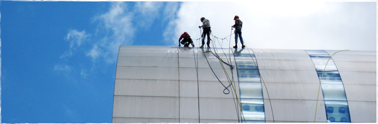 Otelair Rope Access can help you in cleaning office windows